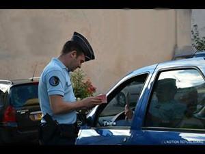 blague-homme-femme-arreter-police